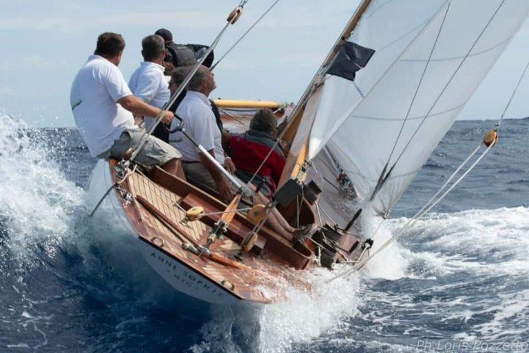 Vele d´Epoca Imperia -- DTYC Crew um Markus Daniel und Jörg Mössnang gewinnt mit der 8mR Yacht ANNE SOPHIE