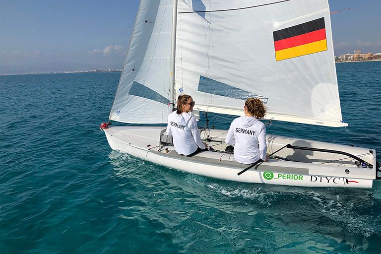 Road to Tokyo - Nadi Böhm und Ann-Christin Goliaß starten mit neuem Boot in die WM und die Quali für Tokyo