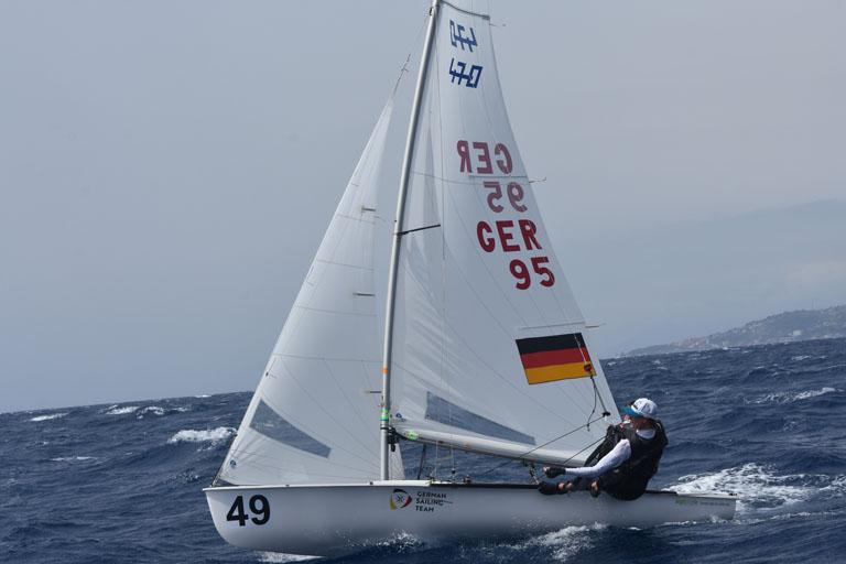 470er - Theresa Löffler startet bei der JWM vor San Remo